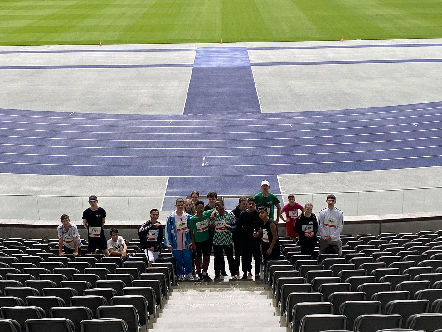 Jugend trainiert für Olympia Platz - Albrecht Haushofer Schule-im Olympiastadion